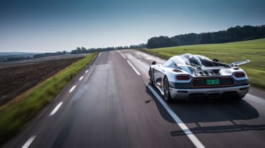 Koenigsegg One:1 - driving rear
