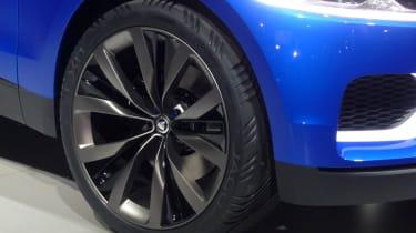 Jaguar C-X17 SUV alloy wheel