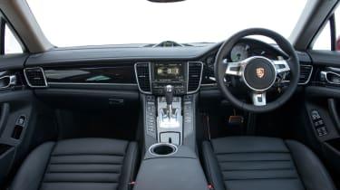 Porsche Panamera S E-Hybrid interior dashboard
