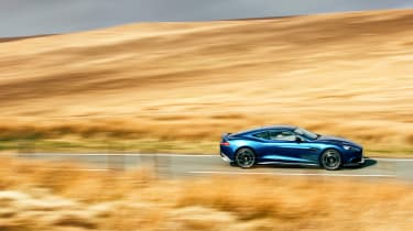 Aston Martin Vanquish S - side