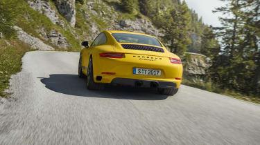 Porsche 911 Carrera T - rear driving\