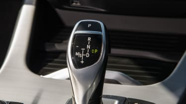 BMW X4 xDrive30d - Gear selector