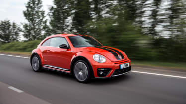 Volkswagen Beetle R-Line tracking front