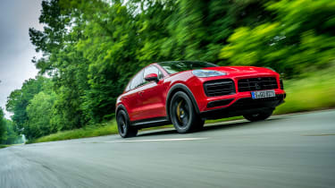 Porsche Cayenne Coupe GTS – tracking