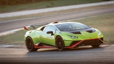 Lamborghini Huracan STO (International) – front quarter cornering