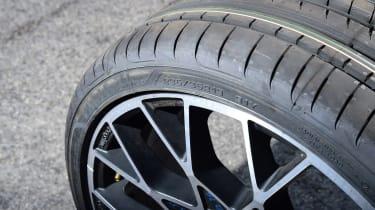 evo 2018 tyre test - close up
