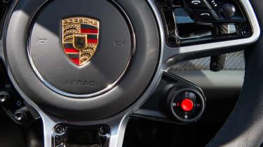 Porsche 918 Spyder - Driving mode selector