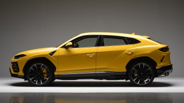 Lamborghini Urus – side