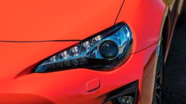Toyota GT86 - headlight