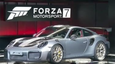 Porsche 911 GT2 RS - forza reveal