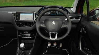 Peugeot 208 Feline THP 156 interior dashboard