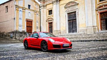 Porsche 911 Carrera T – front quarter