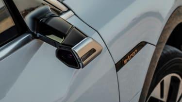 Audi e-tron 2019  camera mirror