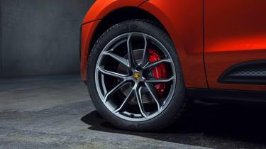 2021 Porsche Macan S – wheels