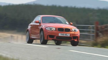 BMW 1M review red jump