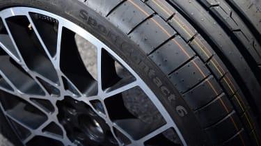 evo 2018 tyre test - close