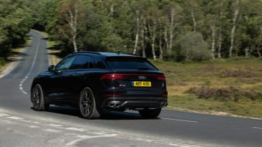 Audi SQ8 TFSI 2021 – rear quarter cornering