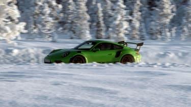 Porsche 911 GT3 RS snow - profile