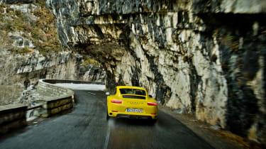 Porsche 911 Carrera T – rear