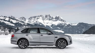 Bentley Bentayga V8 – side