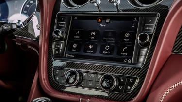 Bentley Bentayga V8 – central screeen