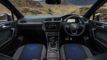 Volkswagen Tiguan R – interior 1