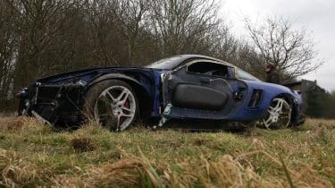 crashed 9ff GT9R low side