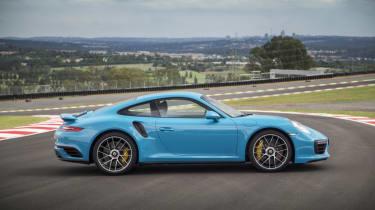 991.2 Porsche 911 Turbo S - profile 2