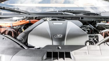 Lexus LC500h - engine cover