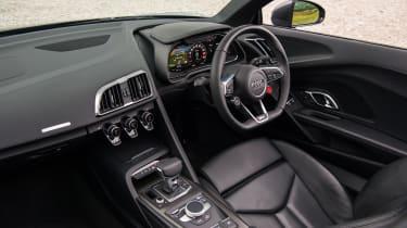 Audi R8 Spyder – interior