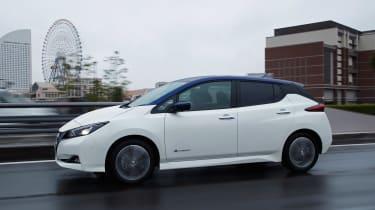 Nissan Leaf drive Japan - side
