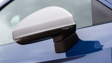 Audi R8 facelift review - mirror