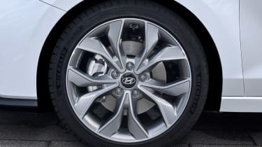 Hyundai i30 Fastback N-Line - wheels