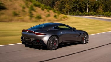 Aston Martin Vantage - silver dynamic rear