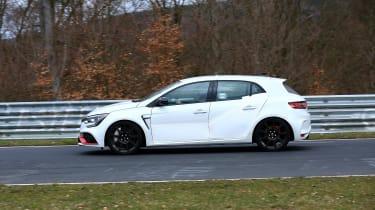 Renault Megane RS Trophy-R spied - side