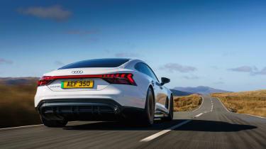 Audi e-tron GT quattro – rear tracking