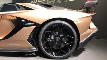 Lamborghini Aventador SVJ Roadster wheel