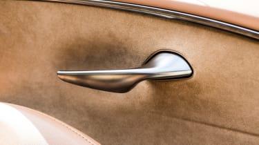 Lexus LC500h - excellent door handle