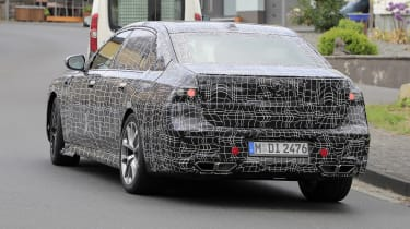 Next generation BMW 7-series spied – rear quarter 3