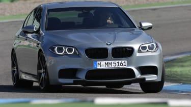 BMW M5 2013 front cornering