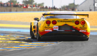 Corvette laps Le Mans video