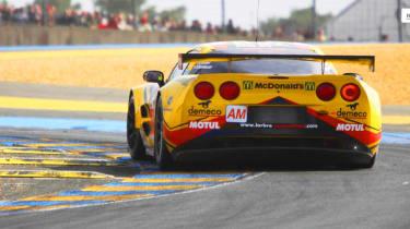 Corvette laps Le Mans video