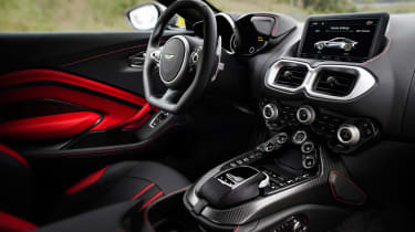 Aston Martin Vantage - silver interior