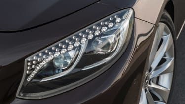 Mercedes S 560 cabriolet - headlights