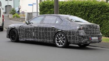 Next generation BMW 7-series spied – rear quarter 2