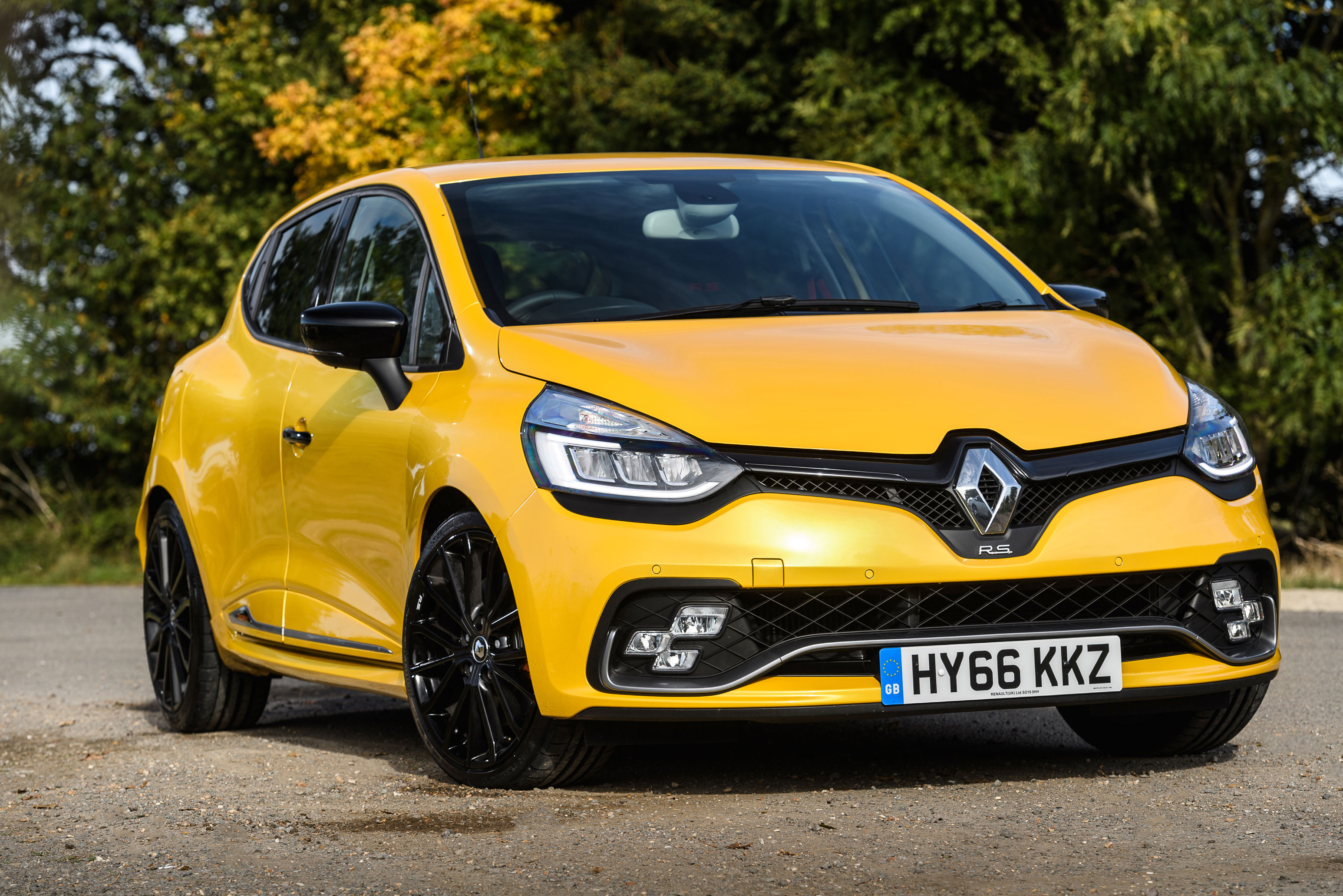 Renaultsport Clio 220 Trophy review - prices, specs and 0-60