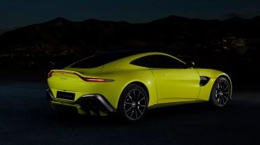 evo exclusive Aston Martin Vantage - green rear quarter
