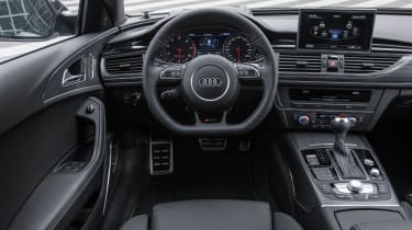 2013 Audi RS6 Avant interior dashboard