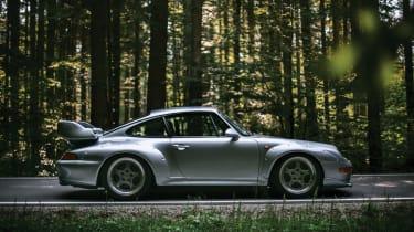 Porsche 911 GT2 - side