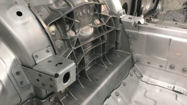 2018 Porsche Cayenne aluminium body casting
